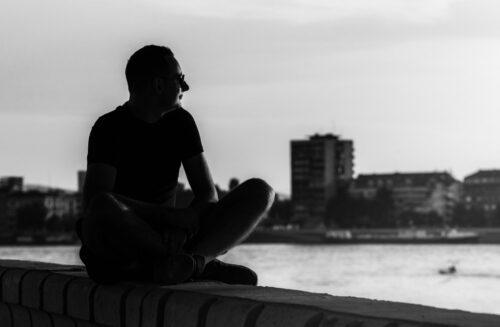 Kada predugo traje, i tišina nekako zazvuči